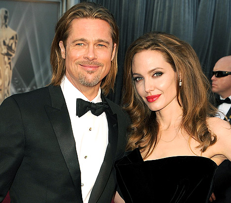 1360870247_brad-pitt-angelina-jolie-article